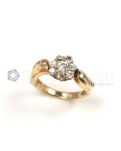 Round Shape White Diamond Ring in 14kt Yellow Gold - 3.4 grams - EST1284