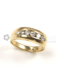 Round Shape White Diamond Ring in 14kt Yellow Gold - 6.2 grams - EST1260