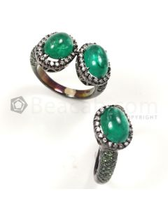 Oval Shape Green Emerald, Diamonds Ring in 18kt Gold - 13.6 grams - EST1220
