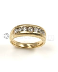 Round Shape White Diamond Ring in 14kt Yellow Gold - 7.2 grams - EST1259