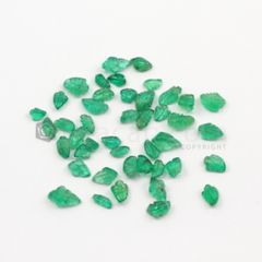 4.50 x 2.50 mm to 8 x 5 mm - Medium Green Emerald Carving - 44 pieces - 11.60 carats (EmCar1048)
