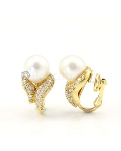 18kt Yellow Gold and Diamond Lady's Earrings, Pair - 13.70 grams - EST1060